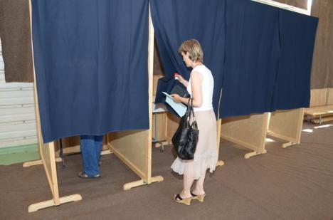 Universitarii au decis: Rectorul se desemnează prin vot, nu prin concurs