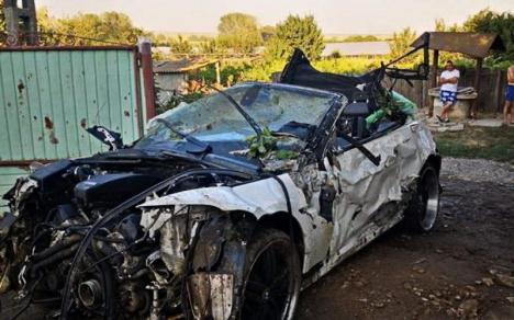 Accident mortal transmis live pe Facebook: Șoferul unui BMW a ucis un copilaș, pe mama și pe bunica acestuia, în Tulcea