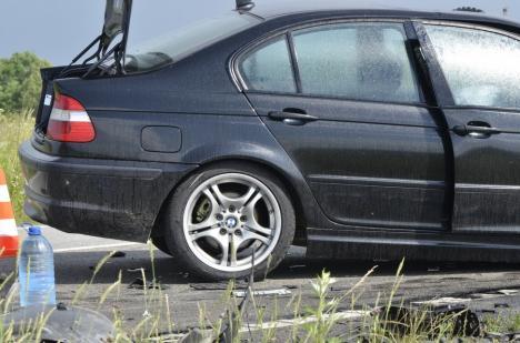 Accident pe DN 76, în Bihor: Două BMW-uri s-au izbit frontal (FOTO / VIDEO)