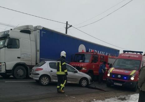 Accident pe DN1, în Oşorhei: Doi adulţi şi trei copii au ajuns la spital