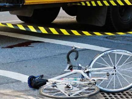 Un biciclist din Săcueni a ajuns la terapie intensivă după ce a intrat în faţa unui camion