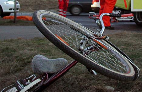 Accidentare fatală în Oradea: Un bihorean a murit după ce a intrat cu bicicleta într-o poartă