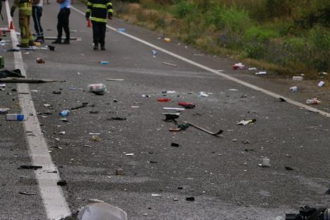 Cauza accidentului mortal de lângă Biharia: Şoferiţa nu a adaptat viteza şi a intrat pe contrasens, izbind TIR-ul(FOTO / VIDEO)