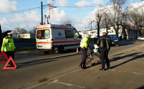 Accident lângă Universitate: O biciclistă a ajuns în comă la spital, după ce a fost luată pe capotă de un BMW (FOTO)