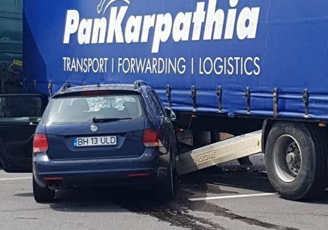 Primele concluzii în accidentul de pe Calea Borşului: şoferul de TIR a virat pe linia dublă continuă