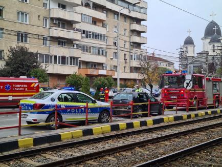 Accident în Oradea, lângă Poliţie. O persoană a ajuns la spital (FOTO)