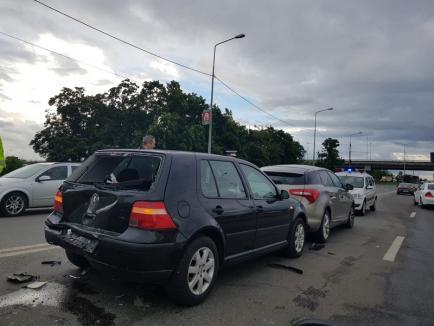 Tamponare în lanţ în Calea Aradului: trei maşini au fost avariate (FOTO)
