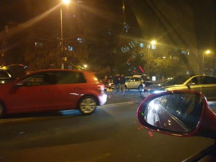 Accident frontal pe strada Cantemir din Oradea: Un tânăr din Sântandrei a vrut să evite o coliziune, dar a produs o alta (FOTO)