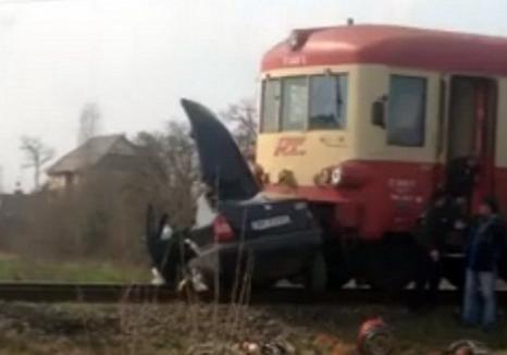 Unul dintre tinerii din maşina lovită de tren la Chiribiş a fost operat şi e la Terapie Intensivă