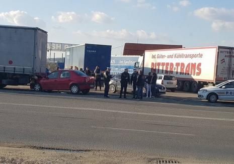 Tânăr de 27 de ani, prins de poliţişti după ce a provocat un accident cu 3 maşini pe Centura Oradiei şi a fugit!