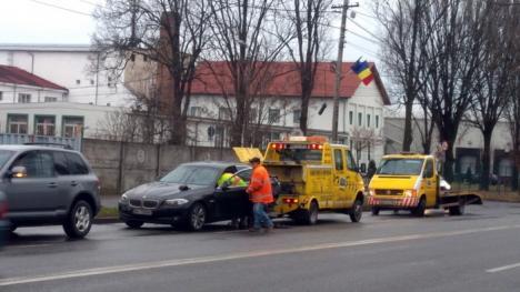 Carambol pe Calea Clujului: Patru mașini s-au bușit din cauza unui șofer grăbit (FOTO)