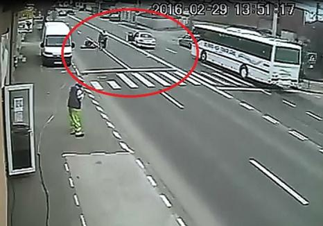 Fetiţa din accidentul de pe strada Clujului e în afara oricărui pericol. Şoferul s-a ales cu dosar penal (VIDEO)