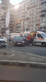 Un nou accident în intersecţia Bulevardului Magheru cu Parcul Traian: Trei persoane, duse la spital (FOTO)