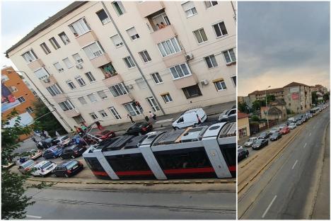 Două accidente, în același timp și în același loc în Oradea! Trafic îngreunat pe bulevardul Decebal