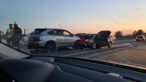 Accident la intrarea în Oşorhei dinspre Cluj. Circulaţie îngreunată pe DN1 (FOTO / VIDEO)