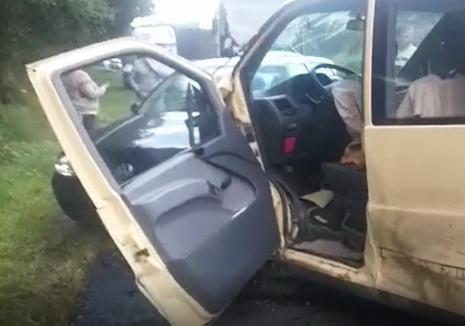 Accident grav, cu trei autoturisme, pe DN 1, în Cluj. O mașină are numere de Bihor! (VIDEO)