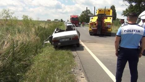 Cauza accidentului de pe DN 79: Un orădean a intrat pe contrasens. Imagini de la locul accidentului (FOTO / VIDEO)