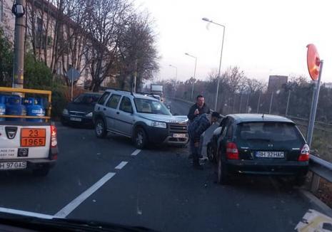 Accident pe drumul expres: Circulaţia în zonă a fost blocată