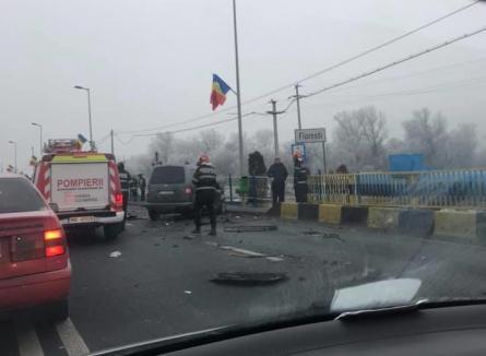 Accident grav în Floreşti: Şoferul unui BMW cu numere de Bihor a rămas încarcerat (FOTO / VIDEO)