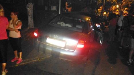 Loveşte şi fugi: Un orădean băut la volan a rănit o persoană, a buşit două maşini şi a dispărut (FOTO)