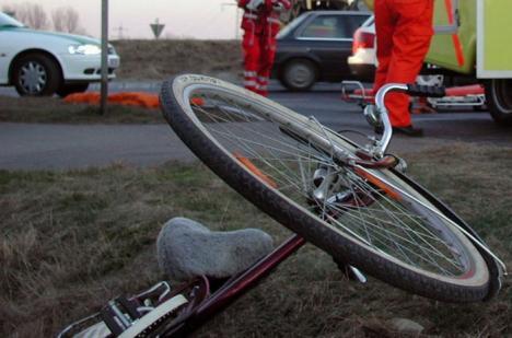 """Biciclist acroşat: Un profesor de Fizică de la """"Pedagogic"""" a murit, lovit de maşină"""