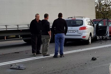 Accident grav pe Borşului: Două maşini s-au lovit frontal, o femeie este în stare gravă la spital (FOTO)