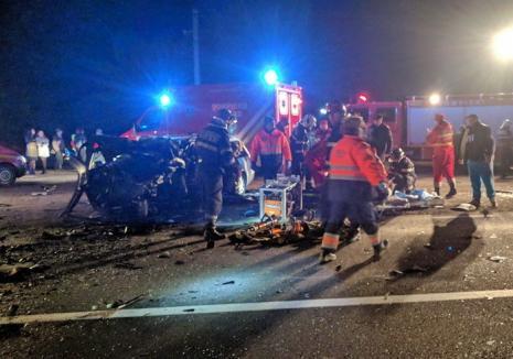 Concluziile polițiștilor în cazul accidentului de pe DN1: Un vitezoman din Aleșd a ajuns pe contrasens într-o curbă. Doi tineri, soț și soție, au murit