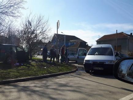 Accident pe Meşteşugarilor, provocat de un şofer fără permis: O fetiţă de 3 ani a fost rănită