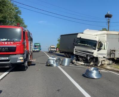 Accident teribil pe DN1 Huedin-Oradea: O fetiţă de 6 ani şi doi adulţi au murit(FOTO / VIDEO)