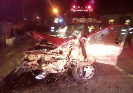 Și vitezoman, și fără permis: Un bărbat de 41 de ani a murit, după ce a intrat cu mașina într-un cap de pod