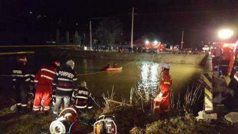 Accident devastator: Nouă persoane au murit după ce un microbuz a căzut în Bistriţa (FOTO)