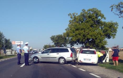 Accident pe DN 1: Două maşini s-au ciocnit, între Oradea şi Oşorhei