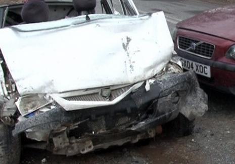 Un orădean de 28 de ani, victima unui accident în Maramureş: Un şofer beat a intrat frontal în maşina condusă de el