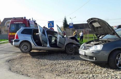 Accident în Sântandrei: Un adult şi un copil au ajuns la spital, cu răni uşoare (FOTO)