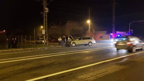 Accident pe Borșului: Un Audi și un Passat s-au lovit, o persoană a ajuns la spital (FOTO)