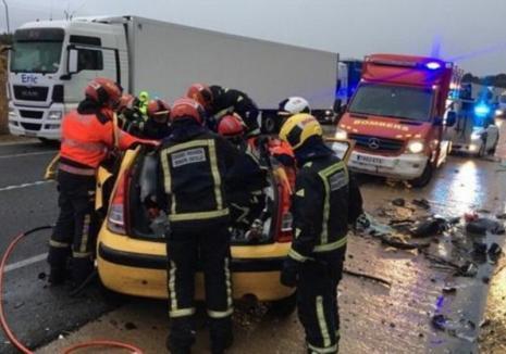 Familie de români implicată într-un accident foarte grav în Spania. Tatăl și fiul său au murit pe loc