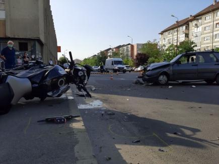 Accident grav în Oradea. Un motociclist a avut nevoie de resuscitare, în urma impactului cu o Dacie (FOTO / VIDEO)