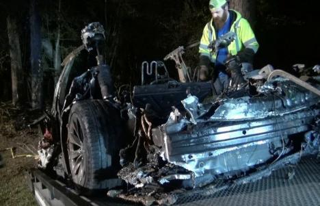 'Nu era nimeni la volan': Doi bărbaţi au murit într-un accident bizar