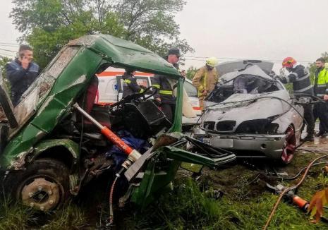 Orădeanul rănit în accidentul cu BMW de la Tileagd are nevoie de sânge. Soţia şi copiii lui sunt tot în spital