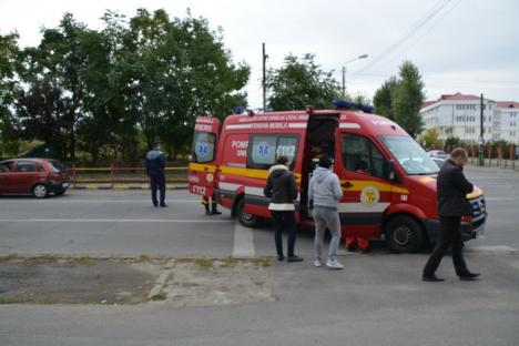 Accident pe Calea Aradului: O femeie a fost izbită pe trecerea de pietoni din faţa Poliţiei Municipiului (FOTO)