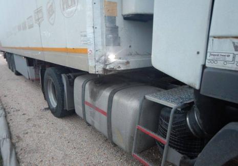 Un microbuz plin cu elevi, al unei firme din Beiuş, implicat într-un accident în Ungaria. O adolescentă de 16 ani a murit (FOTO)