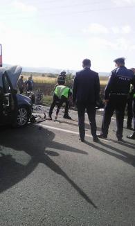 Accident grav la Urvind: trei maşini implicate, două persoane au fost rănite (FOTO)