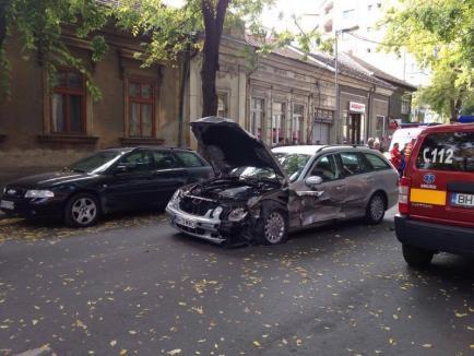 Accident cu 5 maşini pe strada Vladimirescu (FOTO)