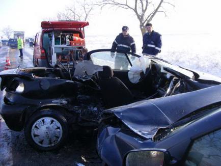 Un tânăr implicat în accidentul de la Oşorhei a murit