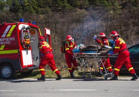 Accident la Răbăgani: O adolescentă de 14 ani din Bihor a ajuns la spital cu coloana fracturată