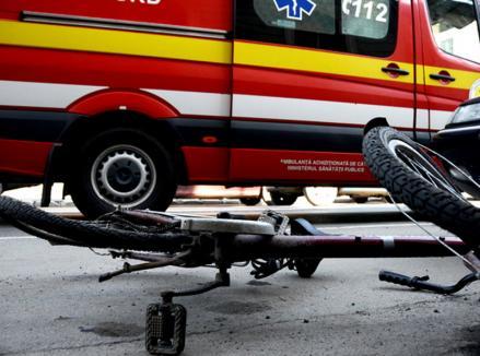 Biciclistă izbită de un şofer beat şi fără permis la volan în Valea lui Mihai. Autorul accidentului a fost reţinut