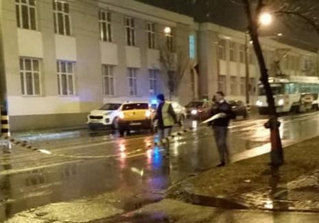 Un poliţist de frontieră a ajuns la spital, după ce colegul lui a intrat în intersecţie fără să se asigure (FOTO)
