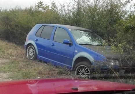 Un şofer băut şi pasagerul său au încercat să facă schimb de locuri după un accident produs lângă Fegernic. Amândoi au ajuns în arest!