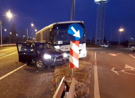 Accident pe Calea Borşului: Un autobuz s-a ciocnit cu un Duster în zona parcului industrial