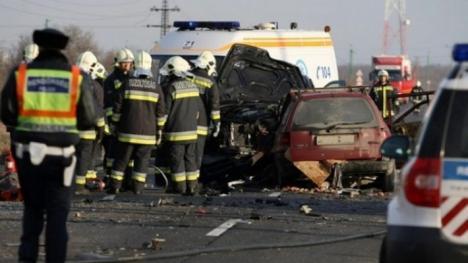 Accident grav în Ungaria: Cinci români, printre care şi un copil, au murit